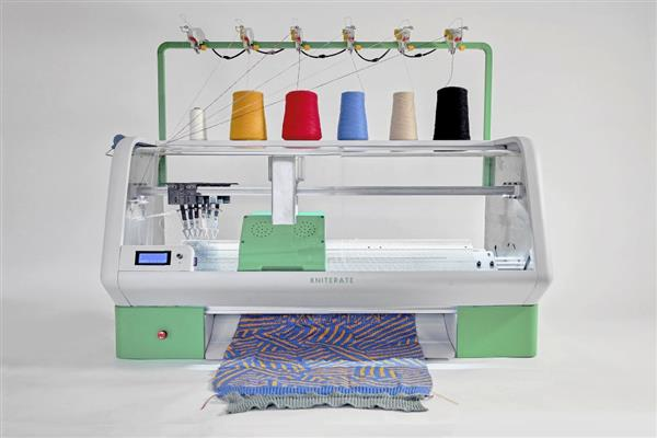 Ready-to-knit-meets-ready-to-wear-Kniterate-is-the-new-3D-printer-for-knitwear-1.jpg