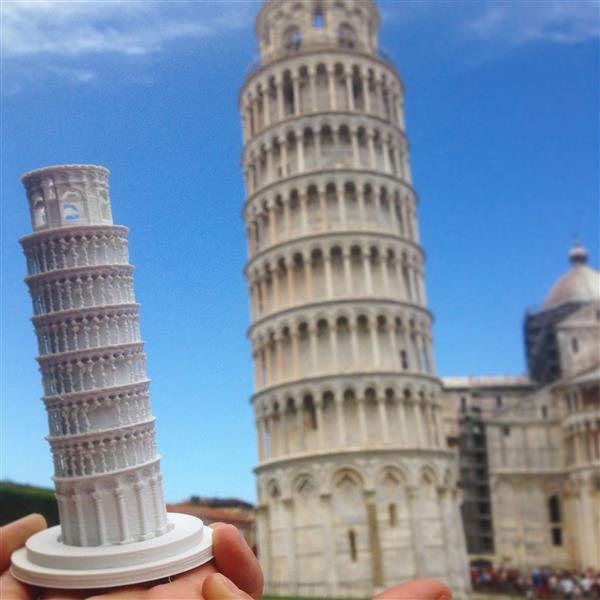 creative-tourist-makes-3d-printed-models-every-landmark-visits-4.jpg
