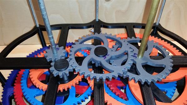 this-award-winning-3d-printed-motorized-orrery-is-totally-mind-blowing-3.jpg