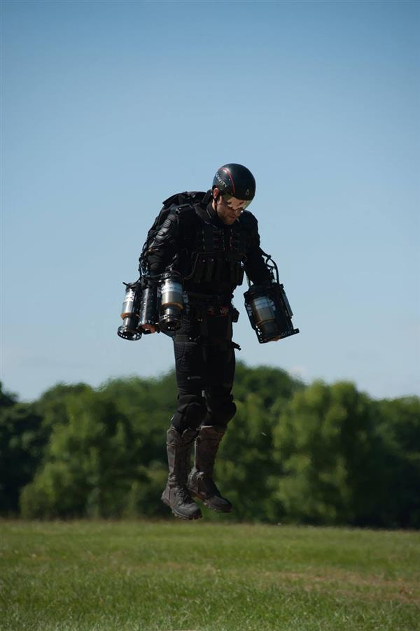 real-life-iron-man-uk-tech-startup-gravity-industries-3d-print-jet-engine-flying-suit-2.jpg