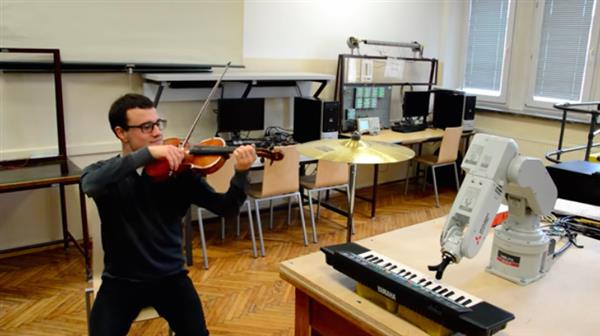 watch-this-piano-playing-3d-printed-robot-accompany-violinist-1.jpg