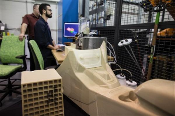 ford-tests-stratasys-infinite-build-system-large-scale-3d-printed-auto-parts-2.jpeg